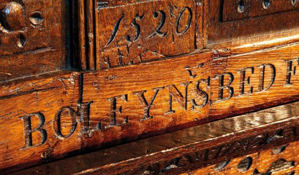 hever-castle-history-boleyn-bed